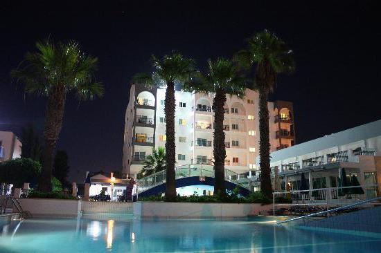 paramount hotel apts 3 superior