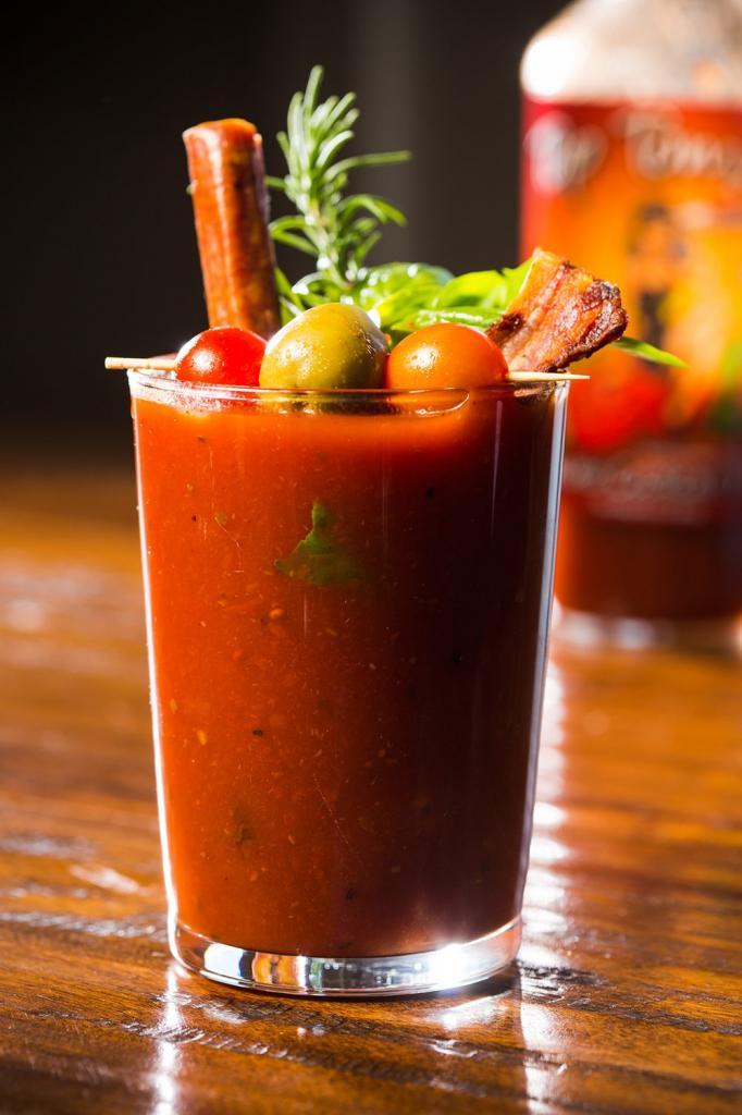 Коктейли с томатным соком: рецепты приготовления миксов