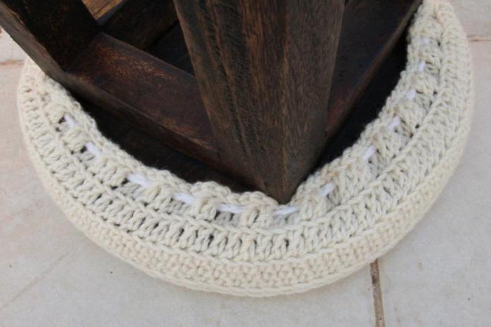 вязание чехлов на табурет