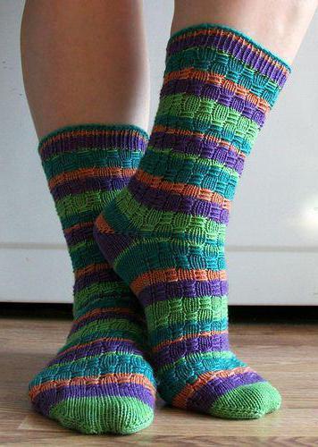 вязание спицами носки с рисунком схемы описание