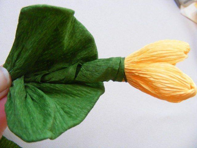 цветы из гофрированной бумаги подснежники