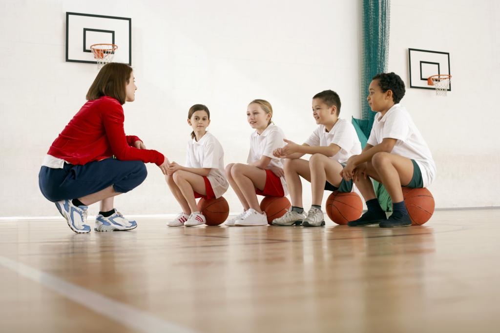 Игры для детей в спортивном зале