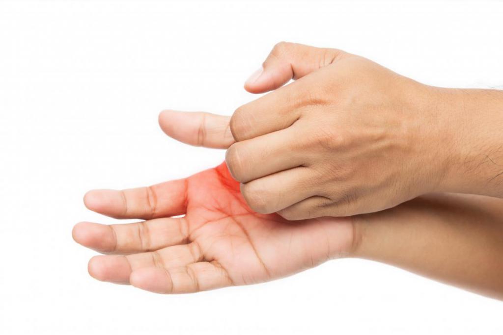 Прыщики на ладонях: причины, методы лечения, профилактика