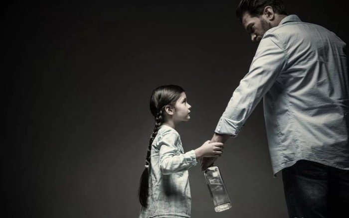 мать алкоголичка последствия для ребенка