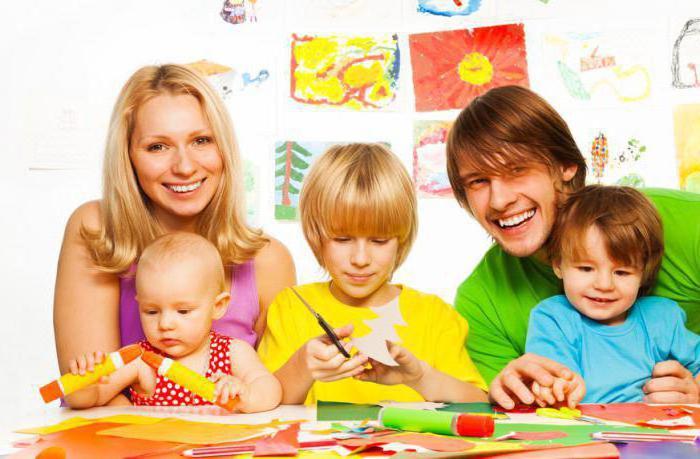 семья и детские поделки