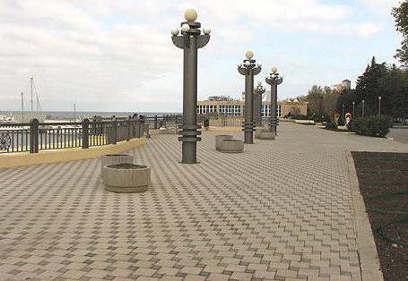 Анапа: набережная и парки: http://fb.ru/article/233205/anapa-naberejnaya-i-parki