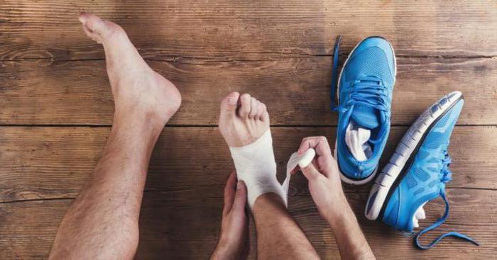 причины резкой и тянущей боли в стопе ноги при ходьбе