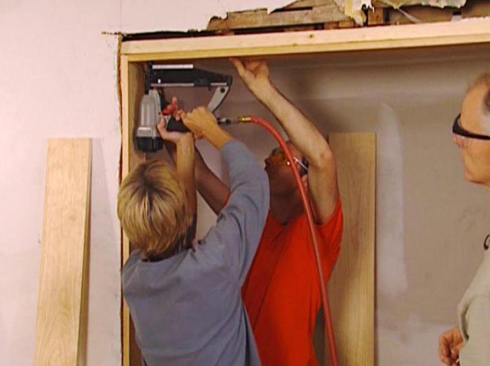 установка металлической входной двери своими руками в брусовом доме