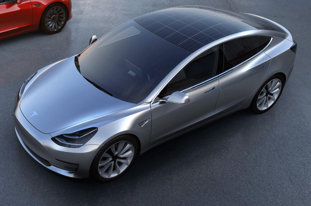 автомобиль на солнечных батареях фото