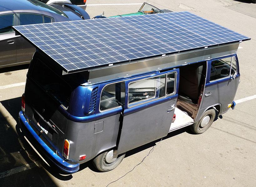 украшение в салон автомобиля на солнечной батарее