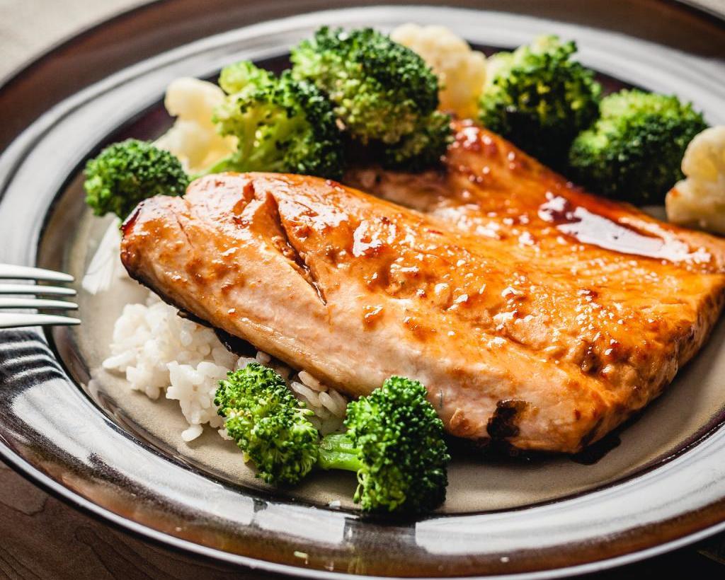 температура и время приготовления белой рыбы в духовке в фольг
