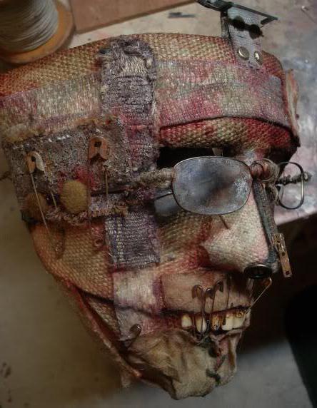 как сделать страшную маску своими руками