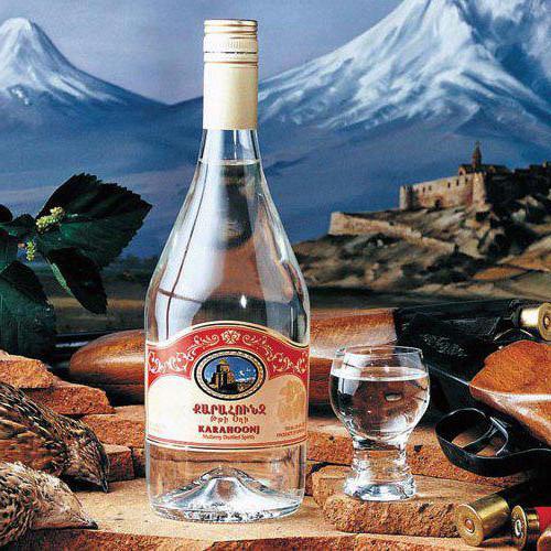 Тутовая армянская водка