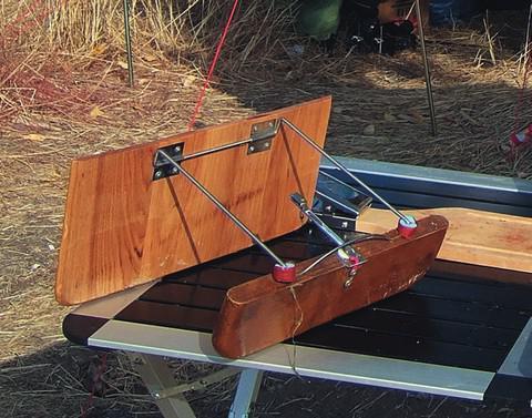 Как своими руками сделать кораблик для рыбалки