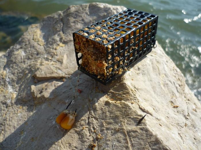 кормушка для рыбалки сетка