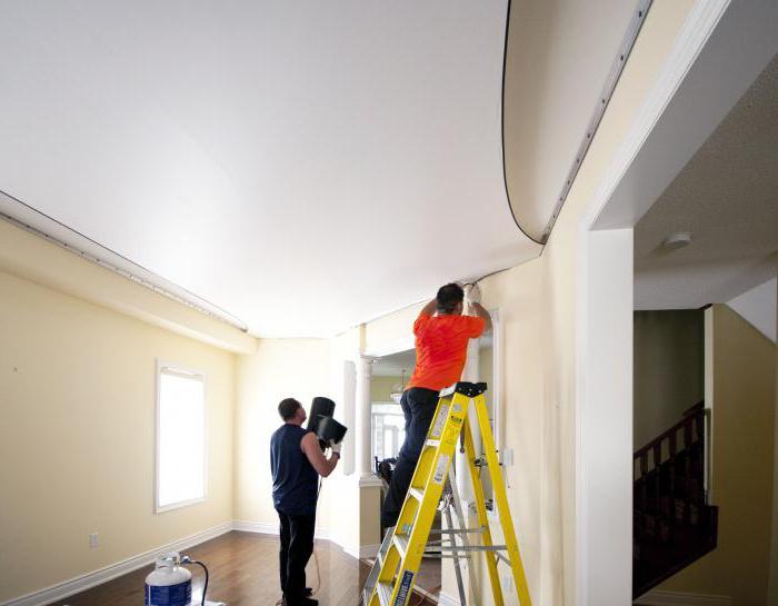 можно ли снять натяжной потолок