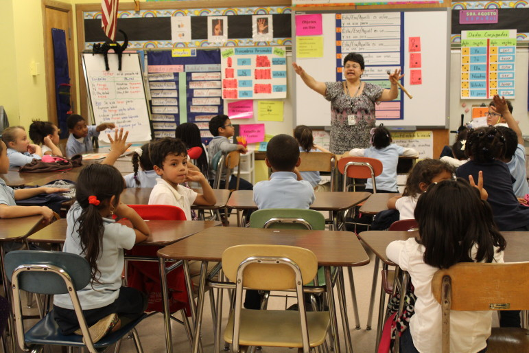 classroom essays Would you be surprised to learn that in today's classroom children sometimes aren't learning due to behavioral issues teachers are attempting to teach classes in which students can be disruptive, disrespectful and defiant.