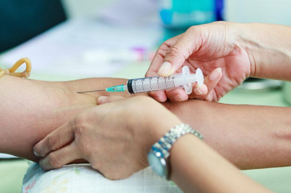 Высокое СОЭ и низкий гемоглобин: причины и лечение