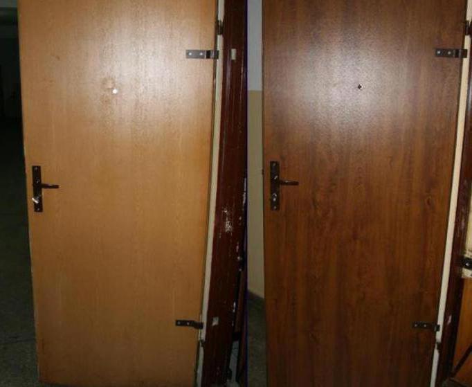 Как оформить входную дверь снаружи
