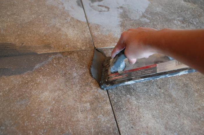 затирка швов керамической плитки на полу
