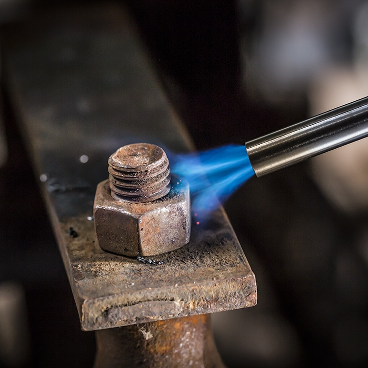 how to unscrew a torn bolt
