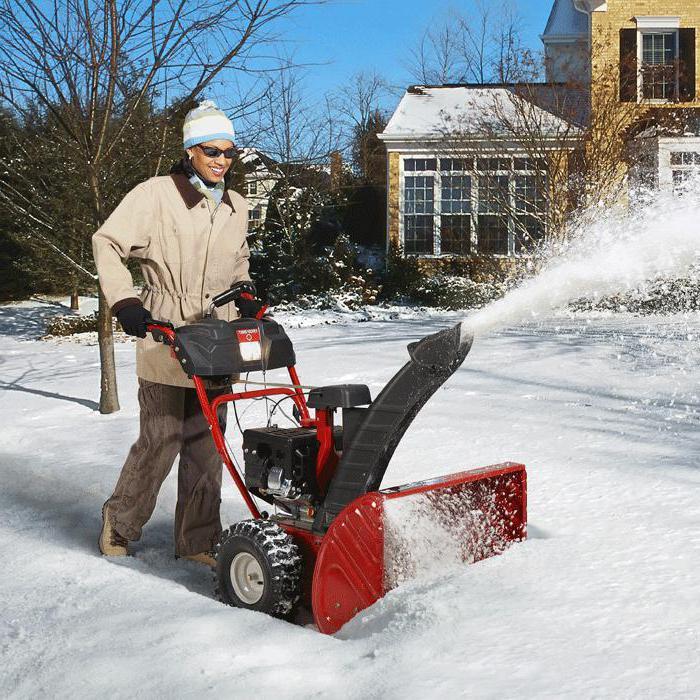 Снегоуборочная машина для дачи как выбрать