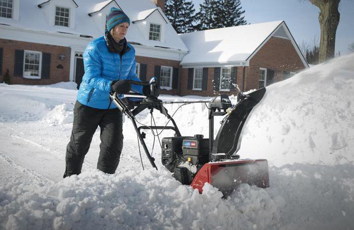 Снегоуборочная машина для дачи отзывы владельцев