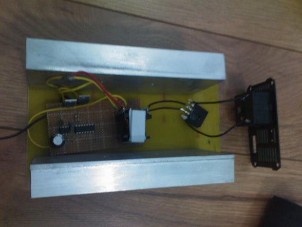 Самодельный стабилизатор напряжения 220в схема