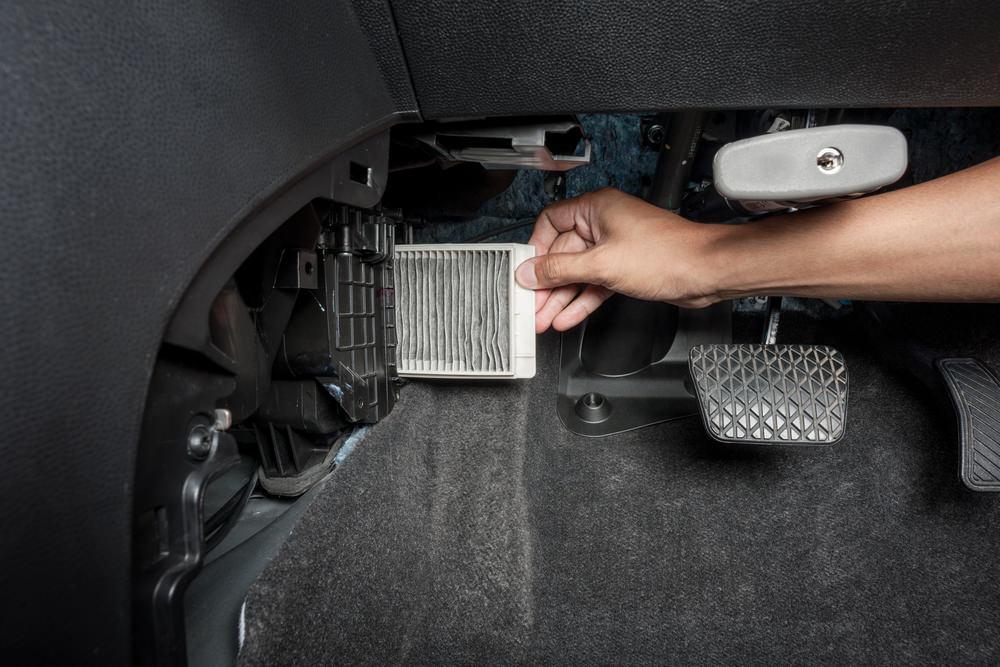 Расположение салонного фильтра в зависимости от модели и марки автомобиля