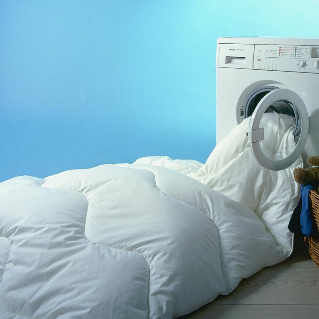 How to wash bedding in a washing machine?