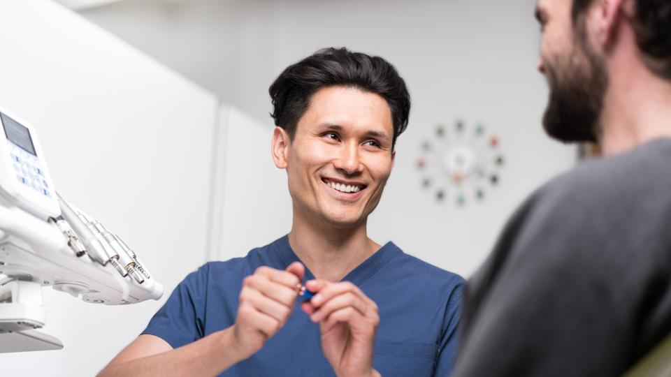 Имплант на передний зуб: установка, советы по выбору, фото до и после