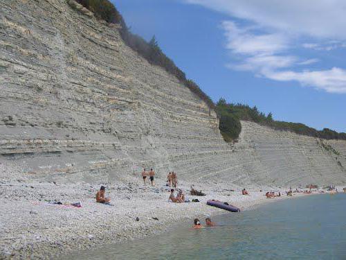 нудистский пляж в геленджике