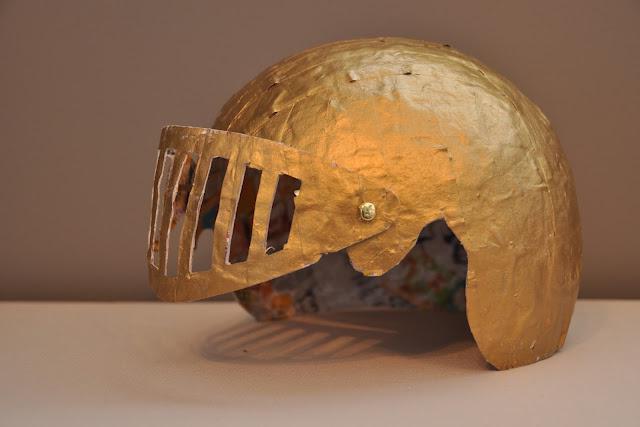 как сделать из бумаги шлем