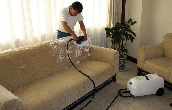 Чистка диванов в домашних условиях