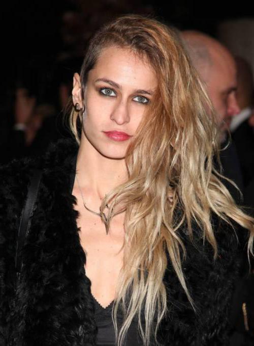 модные стрижки асимметрия на средние волосы