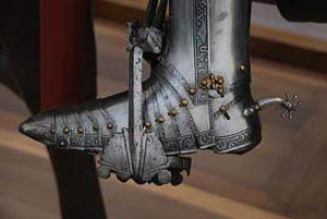 доспехи рыцарей средневековья вес