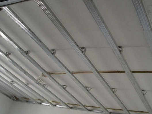 drywall ceiling installation single-level layer