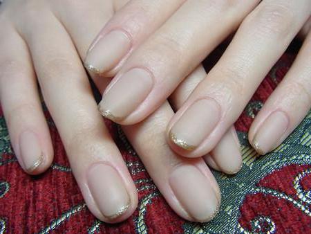 Бывает ли прозрачный матовый лак для ногтей?