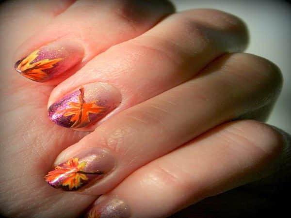 техника рисования кленового листа на ногтях