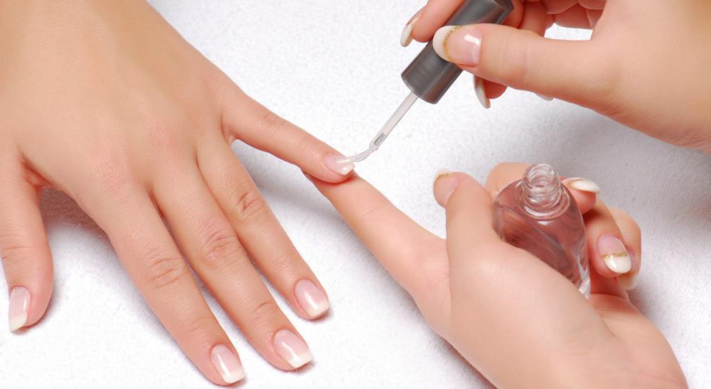 Виды лаков для ногтей: перечень, описание достоинств и недостатков, советы по выбору