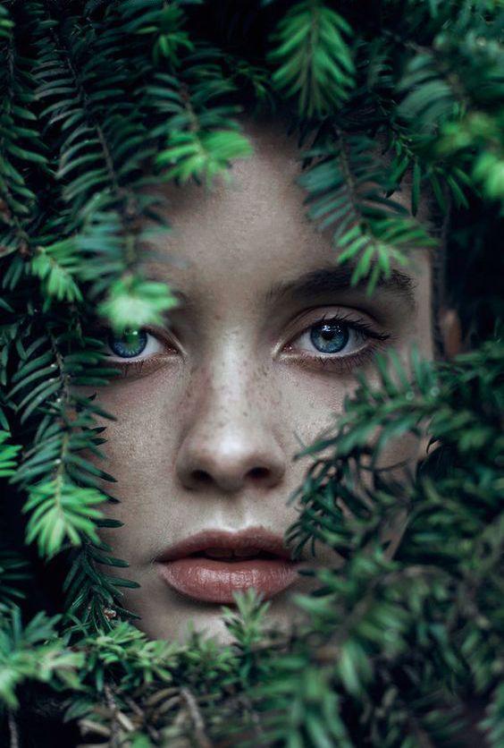изумрудные глаза