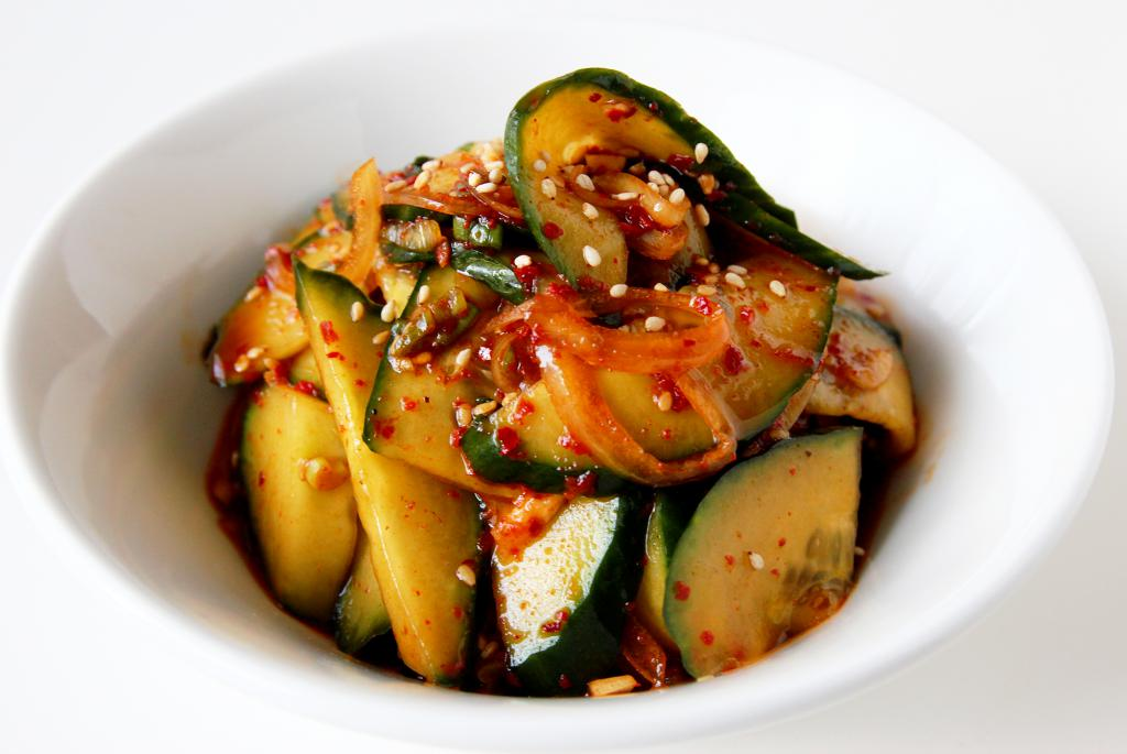 Salad with meat and cucumbers
