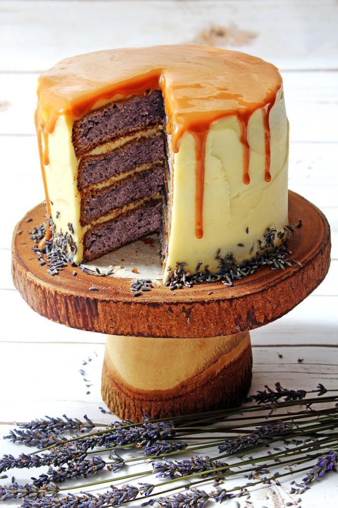lavender currant cake