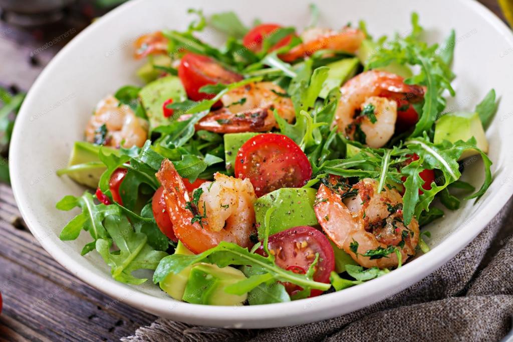 salad with shrimp arugula and pine nuts