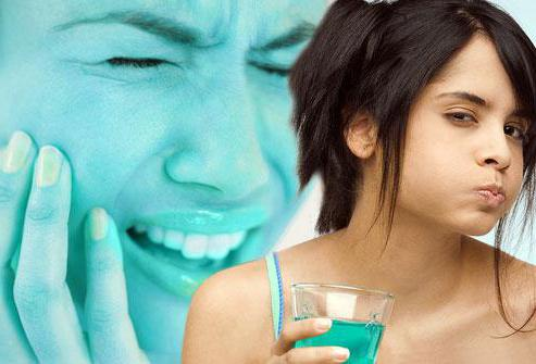 Болит зуб возле десны thumbnail