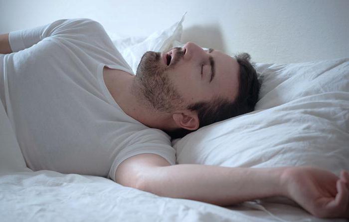 почему человек стонет во время сна