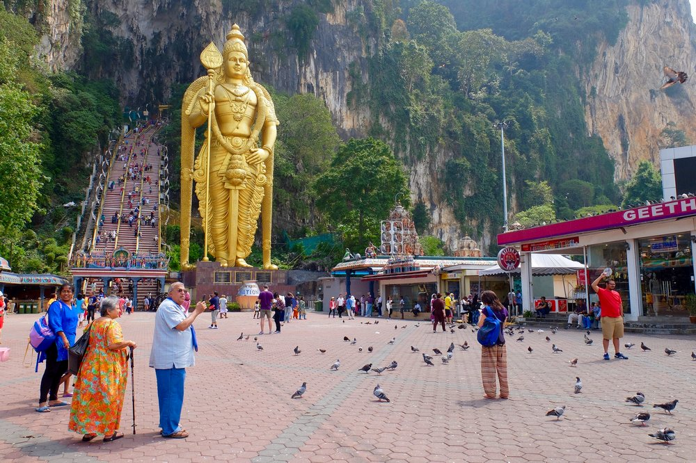 how to attract tourists to malaysia Malaysia is ranked 9th in the world for tourist arrivals, which was the fifth best in asia however, most of arrival tourists are singaporeans who daily cross the border to malaysia for work and go back at night time.