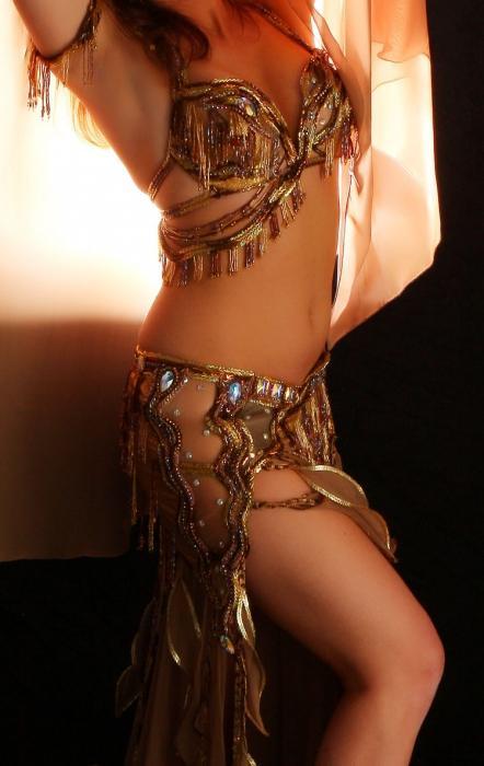 И фото девушек танцовщиц без белья