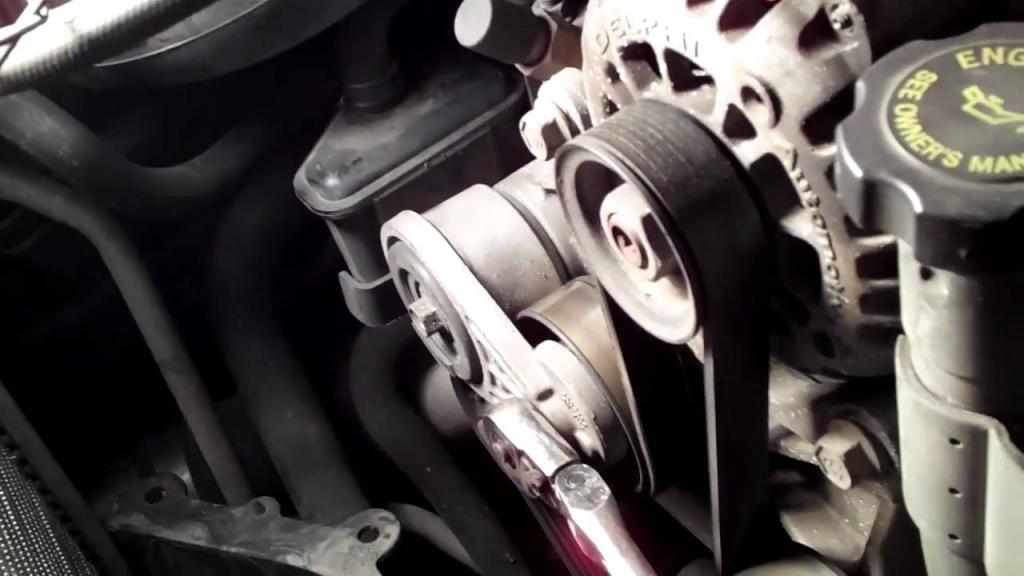 помпа в сборке двигателя