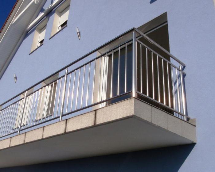 Ограждение балконов из металла: конструкции, особенности мон.